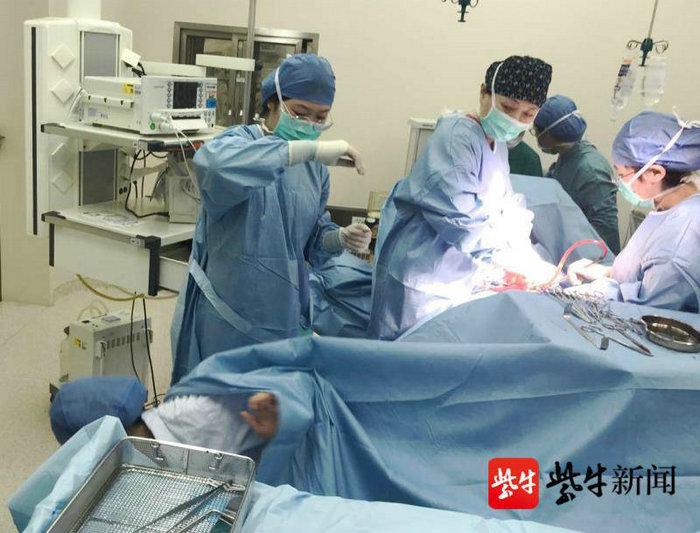 扬子晚报(紫牛新闻):又见脐带脱垂!苏州医生全程托举护母婴平安