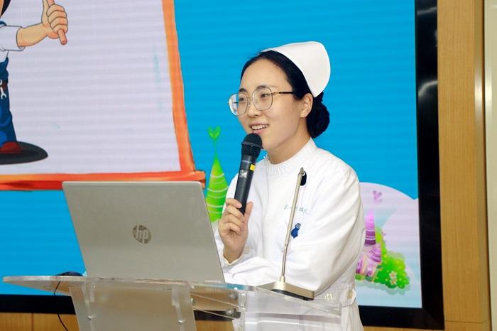"""苏州市""""5•12""""护士节系列活动之护理启蒙课程在我院举行2.jpg"""